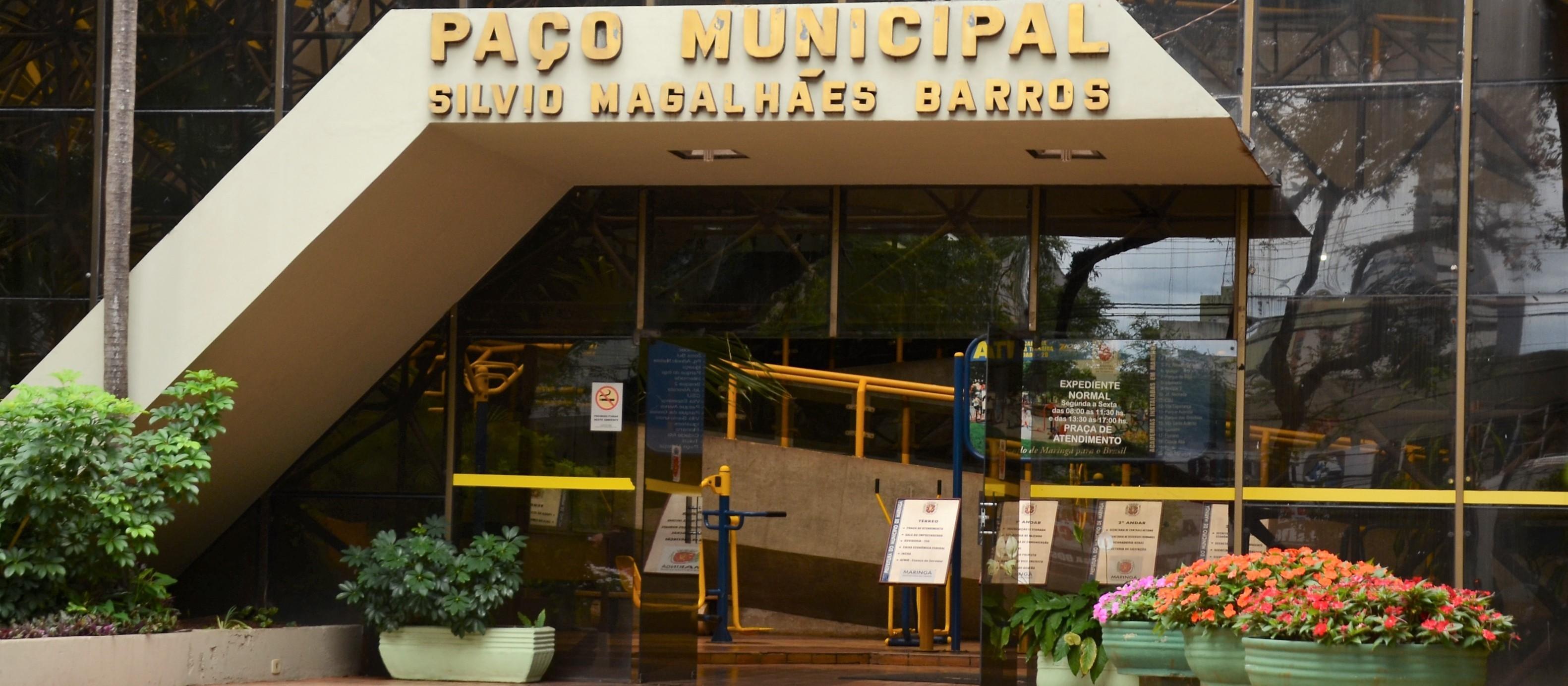 """Prefeitura de Maringá decide """"dar tempo"""" para projeto de banco de horas"""