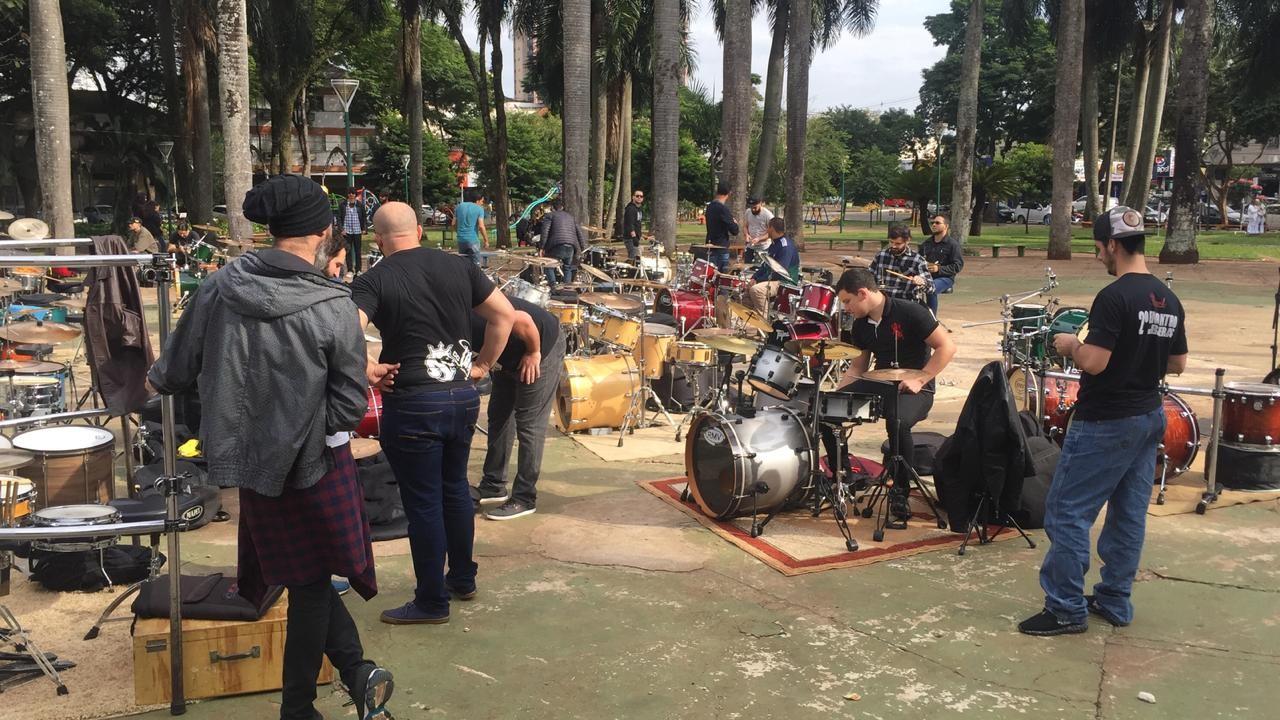 Bateristas realizam primeiro encontro em Maringá