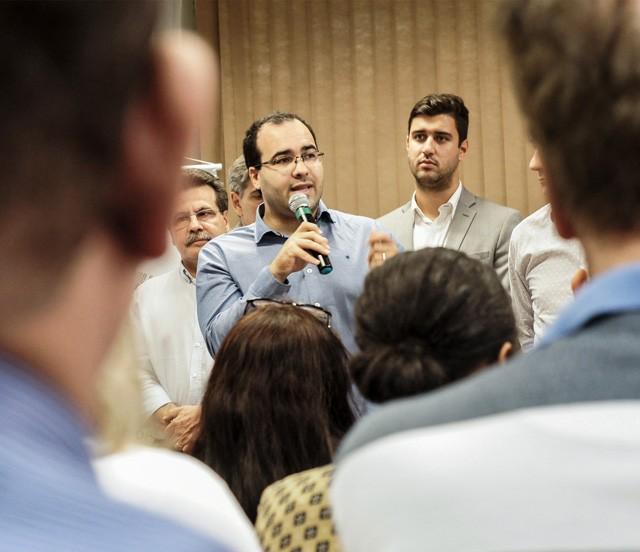 Jean Marques deixa de ser líder do governo na Câmara de Maringá