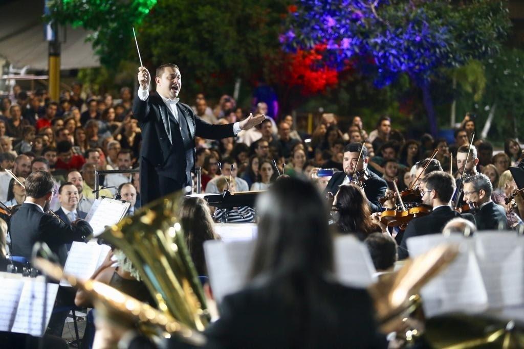 Orquestra vai percorrer ruas de Maringá apresentando canções natalinas