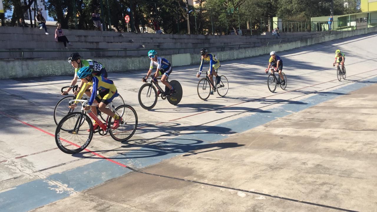 Competição em Maringá reúne atletas do Pan-Americano de Ciclismo