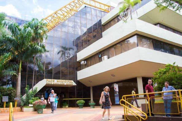 Prefeitura de Maringá reduz horas-extras em até 25%