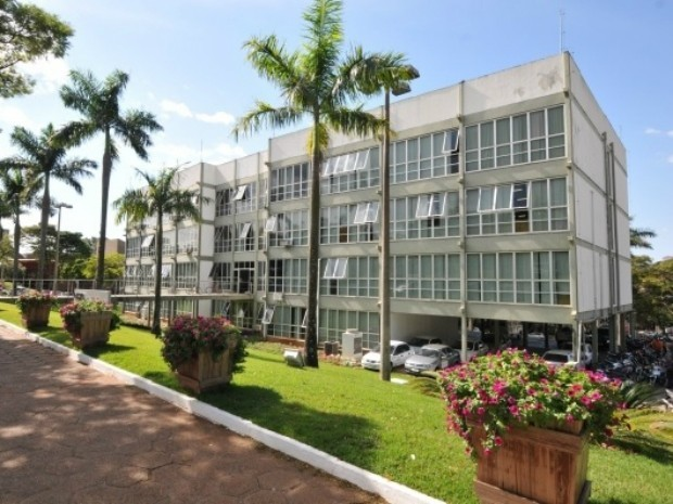 Prefeitura de Umuarama tem vagas para cargos de níveis fundamental e superior