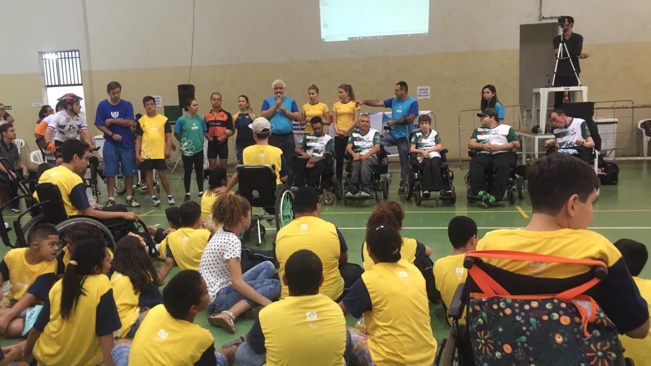 Festival Paralímpico reúne mais de 150 crianças em Maringá