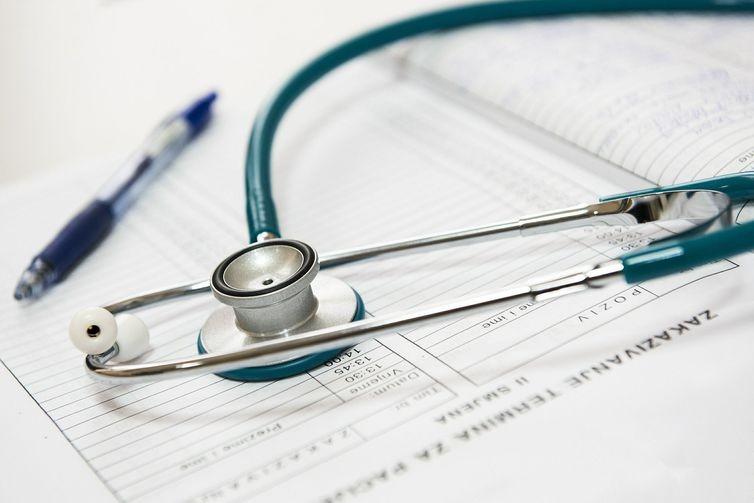 Planos de saúde cresceram 382% de 2000 a 2018