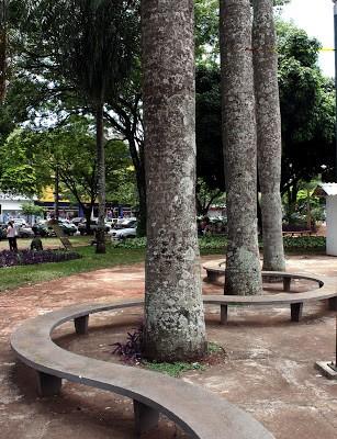 Estacionamento no entorno da praça Napoleão Moreira é interditado