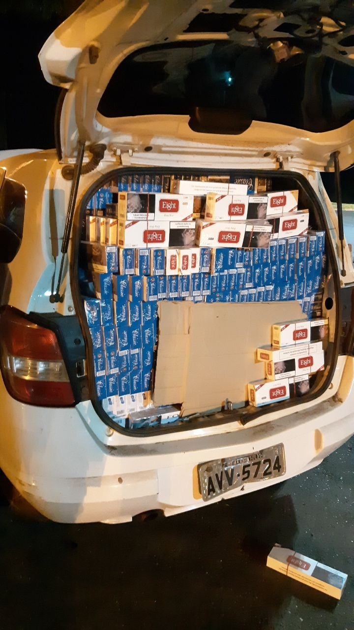 PRF apreende cerca de 20 mil carteiras de cigarro em Toledo