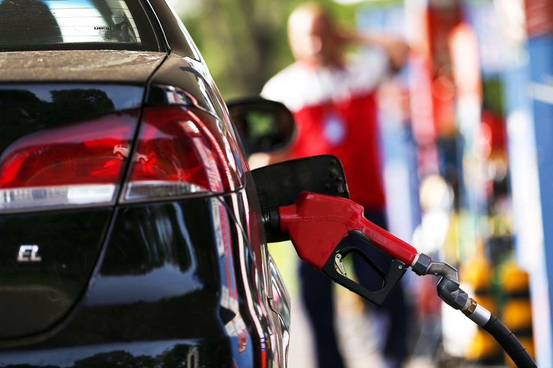 Preço médio da gasolina em Maringá é o mais alto do estado