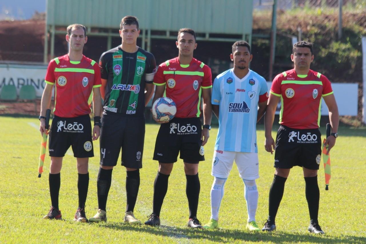 Quatro jogadores do Maringá FC são avaliados por um clube português