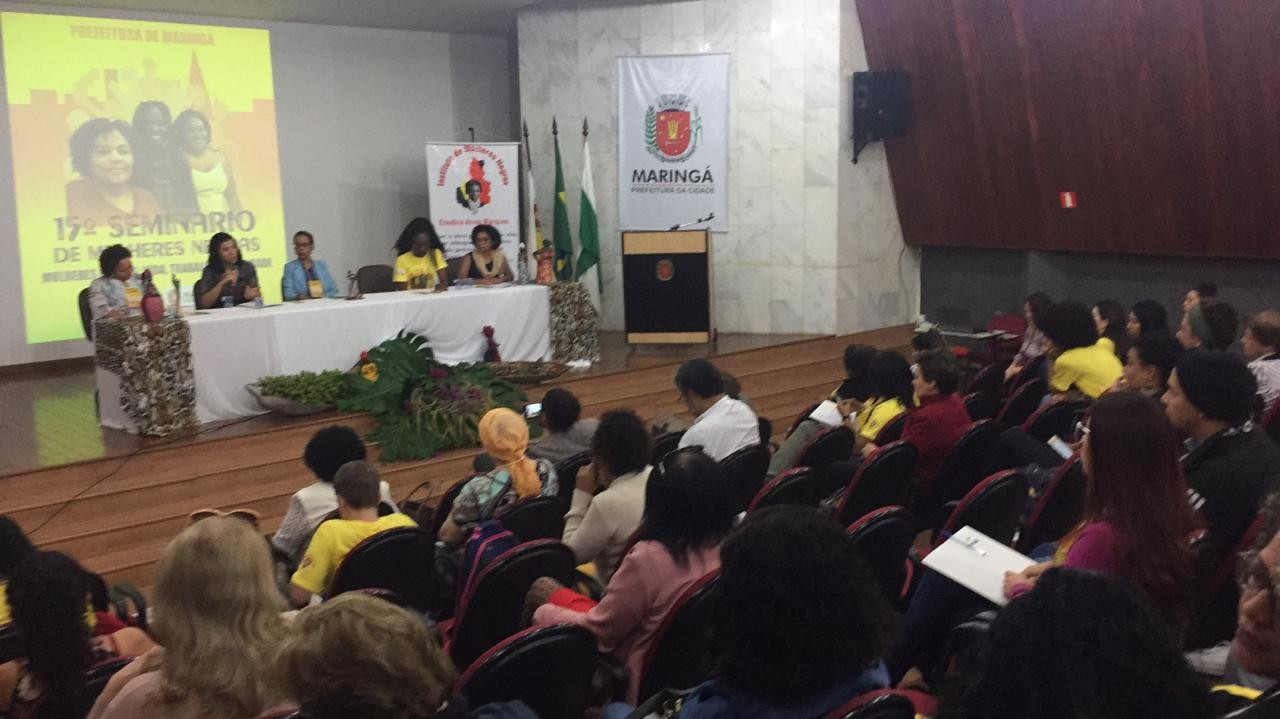 Seminário de Mulheres Negras discute a mulher negra na política