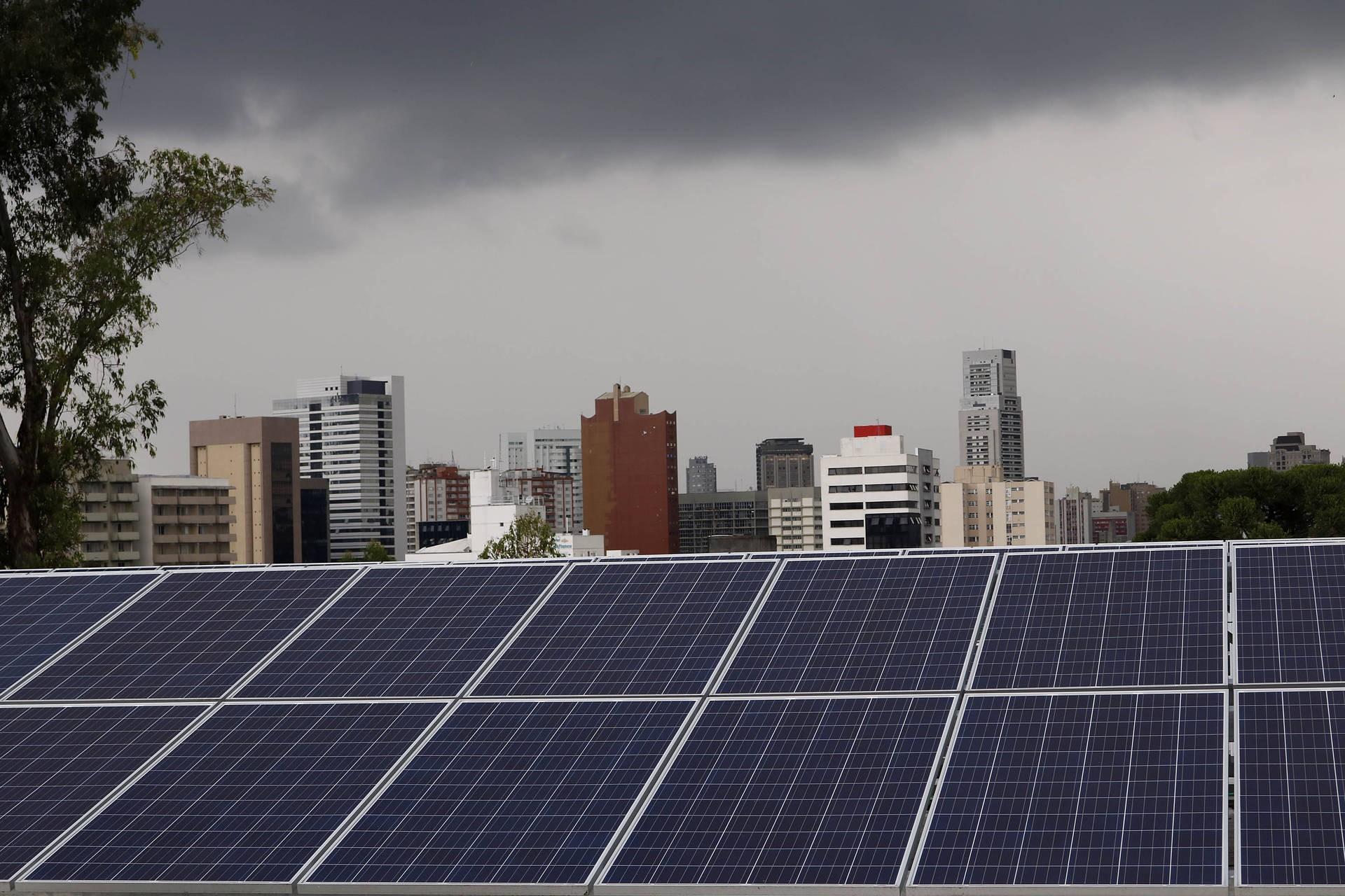 Brasil deverá ter salto de 44% nas instalações de energia solar aponta Absolar