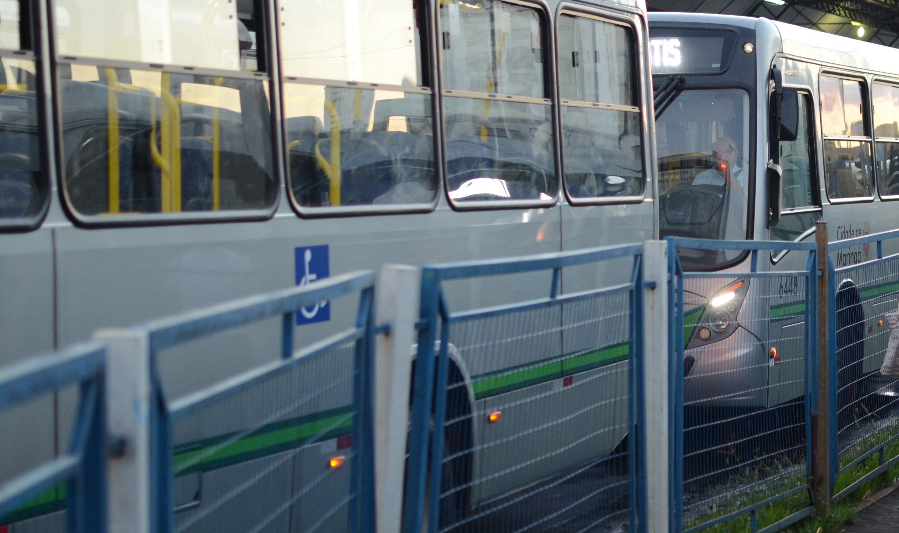 Reajuste da tarifa só será decretado após a chegada de novos ônibus, diz Ulisses Maia