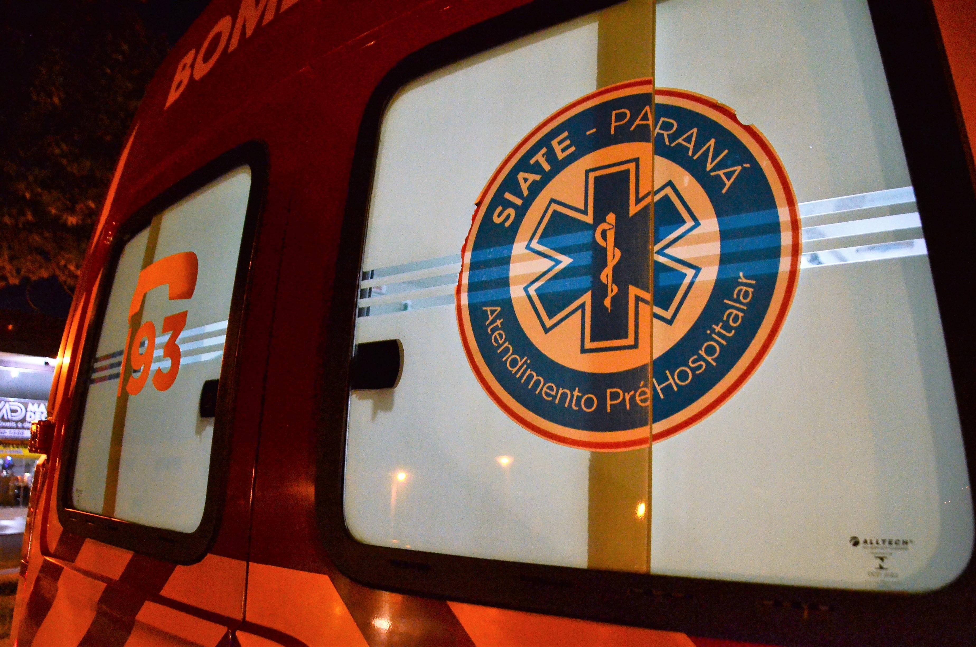 Colisão entre carros deixa um morto e três feridos
