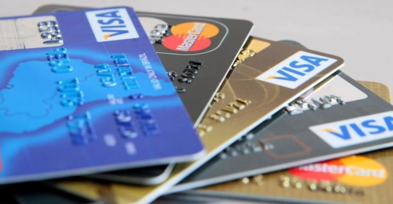 Um em cada três brasileiros não tem conta bancária, diz pesquisa