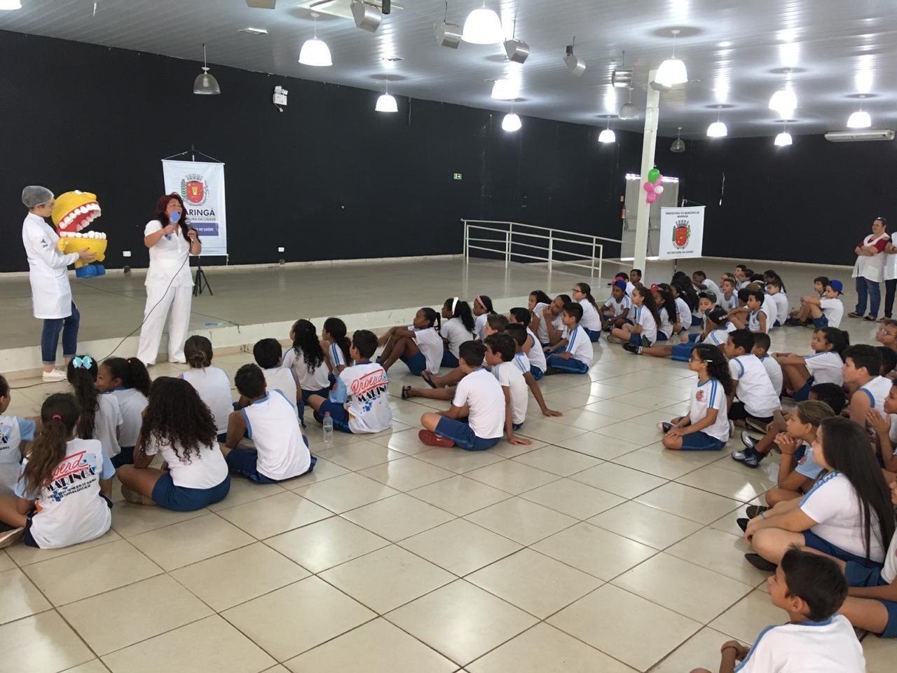 13ª Semana de Saúde Bucal ensina a forma correta de escovação