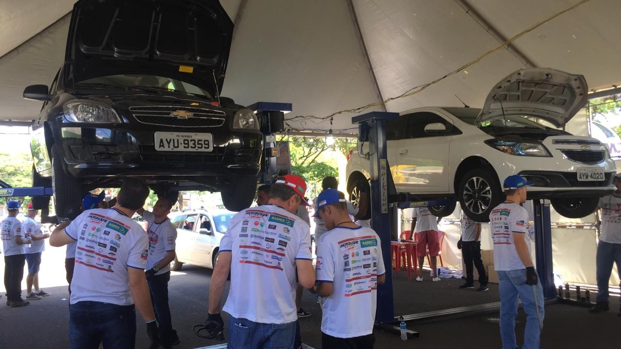 Oficinas mecânicas e elétricas fazem check-up dos veículos de graça