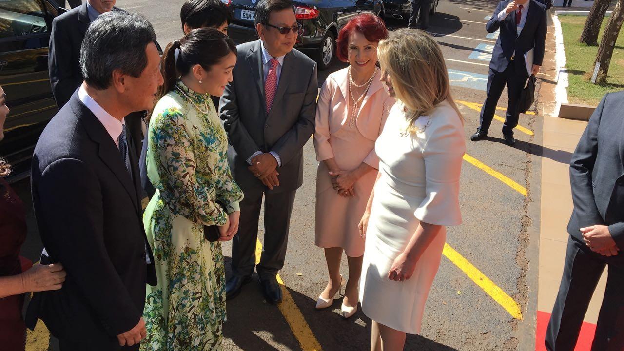Princesa Mako é recebida pela governadora Cida Borghetti