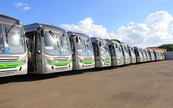 Ônibus do transporte coletivo voltam a circular normalmente  nessa sexta-feira (25)