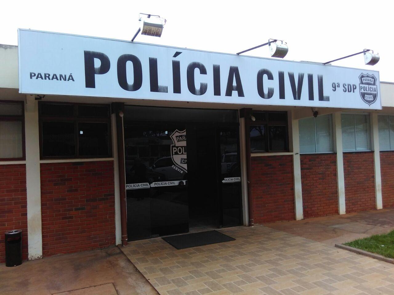 Dois homens são presos tentando arrombar restaurante