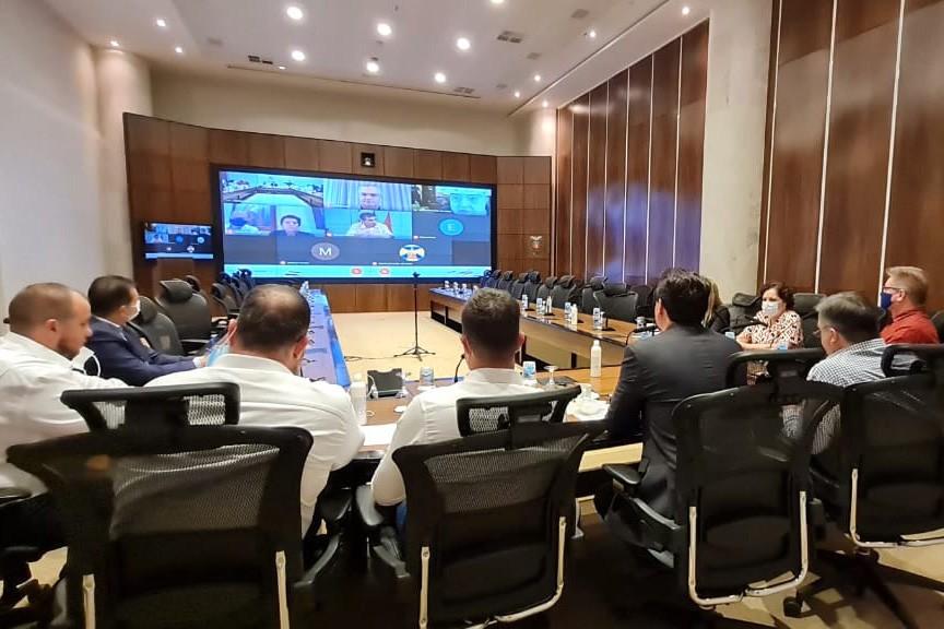 Nessa quinta-feira (25) à noite, o governador Ratinho Júnior convocou reuniões de emergência para discutir as ações que serão anunciadas nesta sexta-feira (26). (foto: divulgação/AEN)