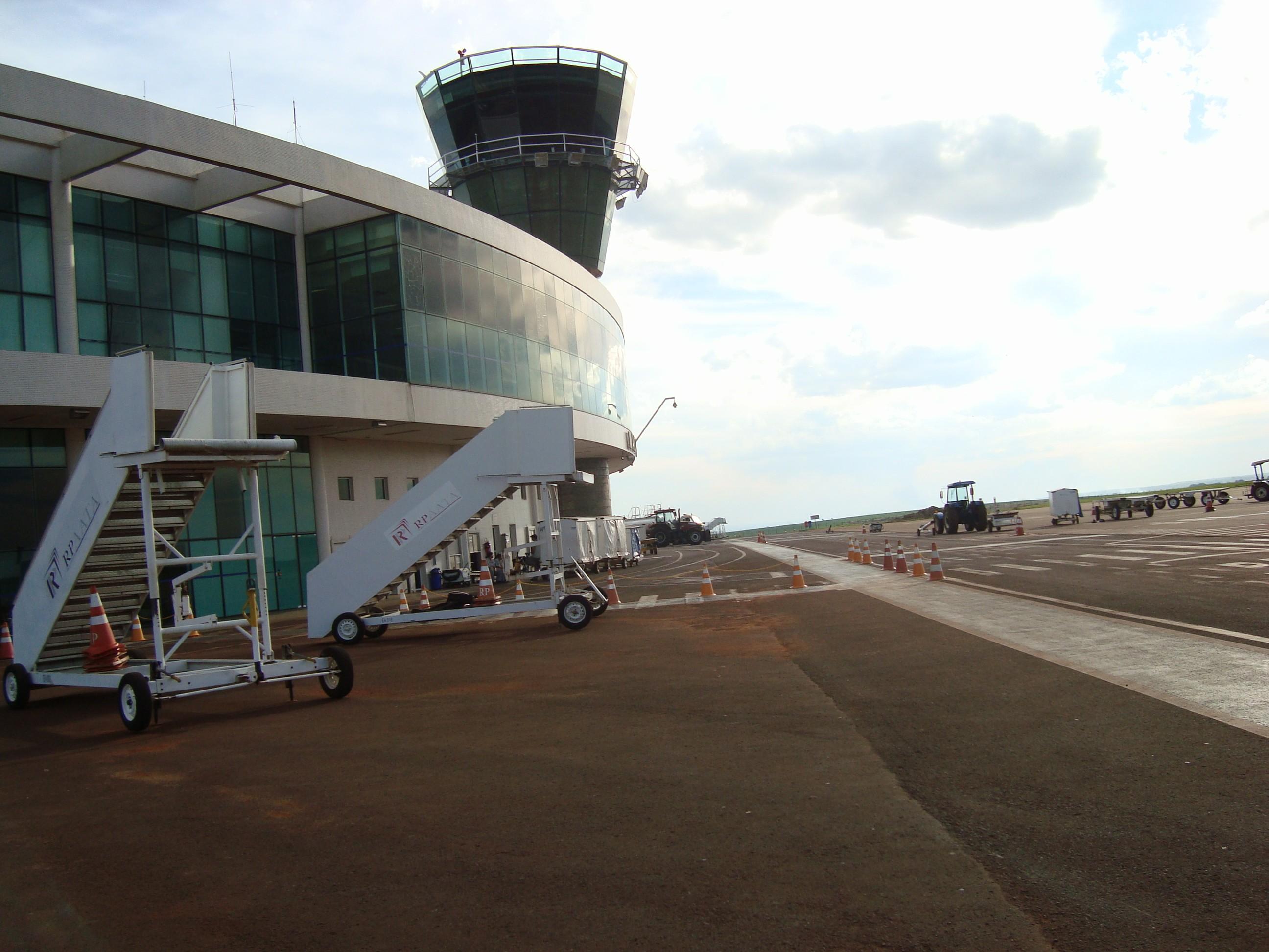 União garante reforma e ampliação do aeroporto de Maringá