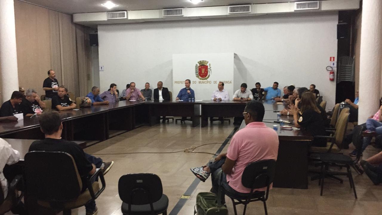 Em reunião tensa, motoristas pedem reajuste de 43% à Prefeitura de Maringá