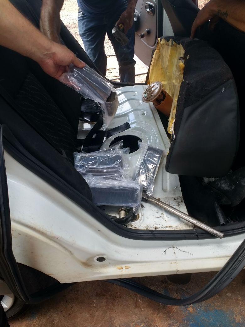 PRE apreende 12 kg de haxixe em veículo