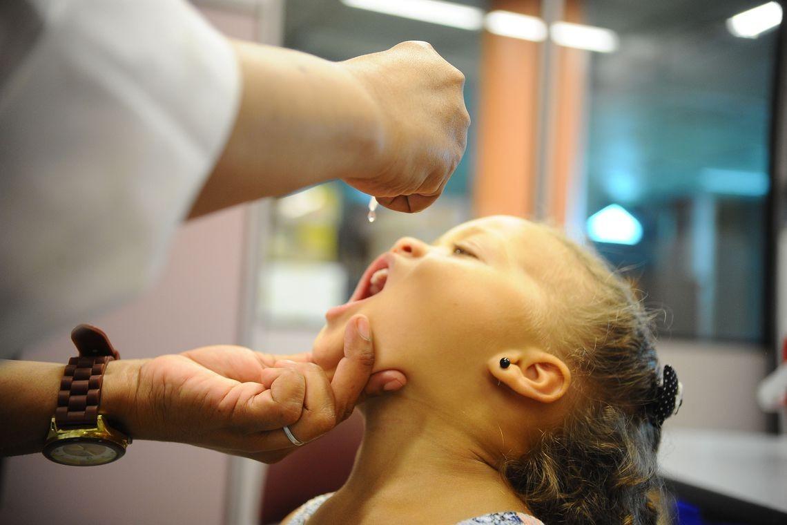 4.732 crianças já foram imunizadas contra pólio e sarampo em Maringá