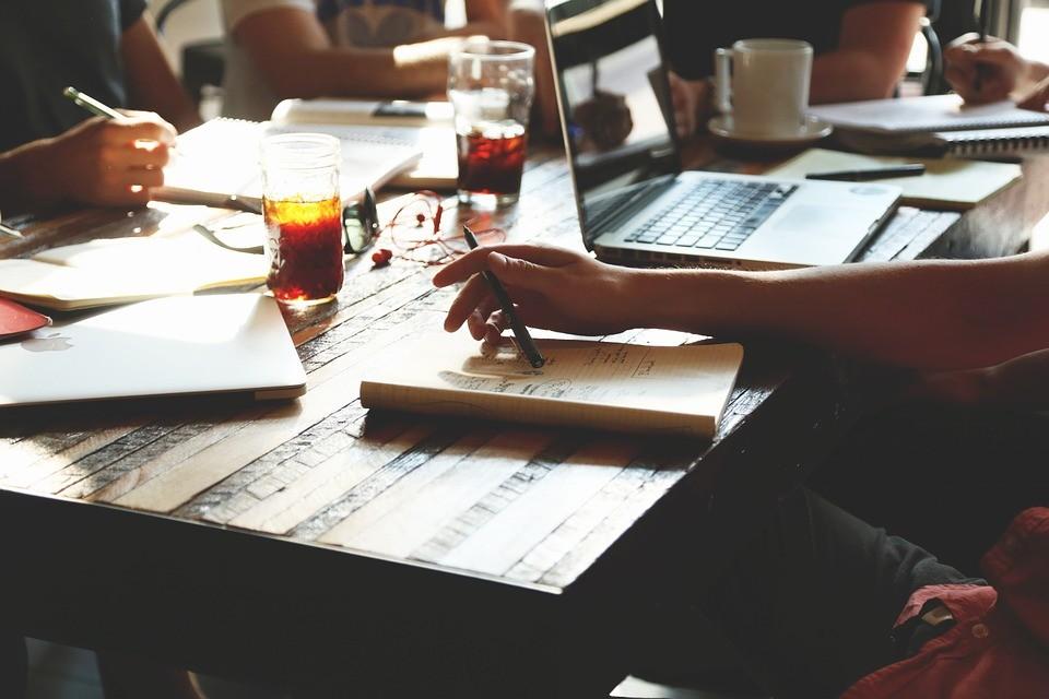 Como um gestor deve agir quando a diversidade atrapalha a equipe na empresa?