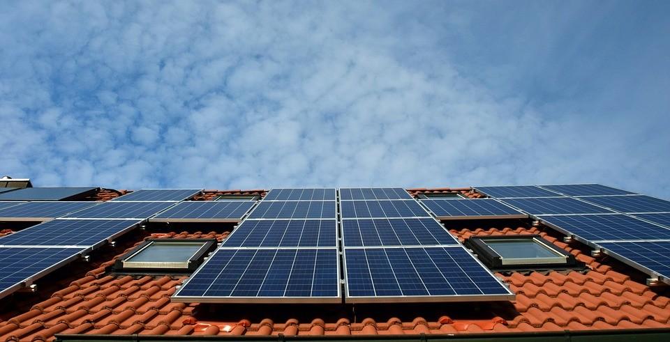 Energia solar dominou investimentos em 2017