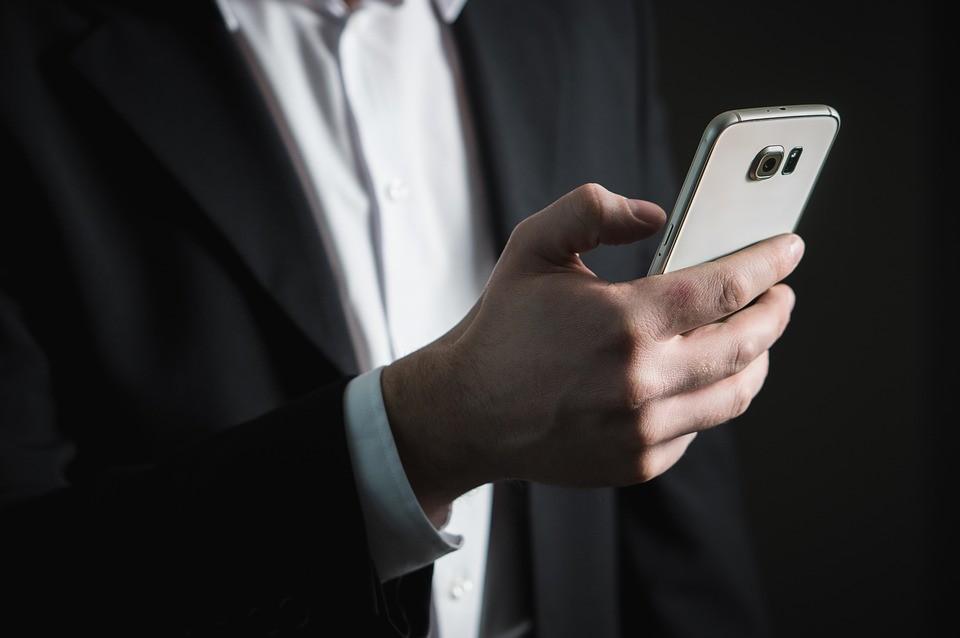 Semob suspeita que empresas de app estão sonegando taxas à prefeitura