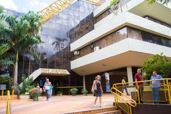 Arrecadação de tributos sobe e dá alivio à prefeitura de Maringá