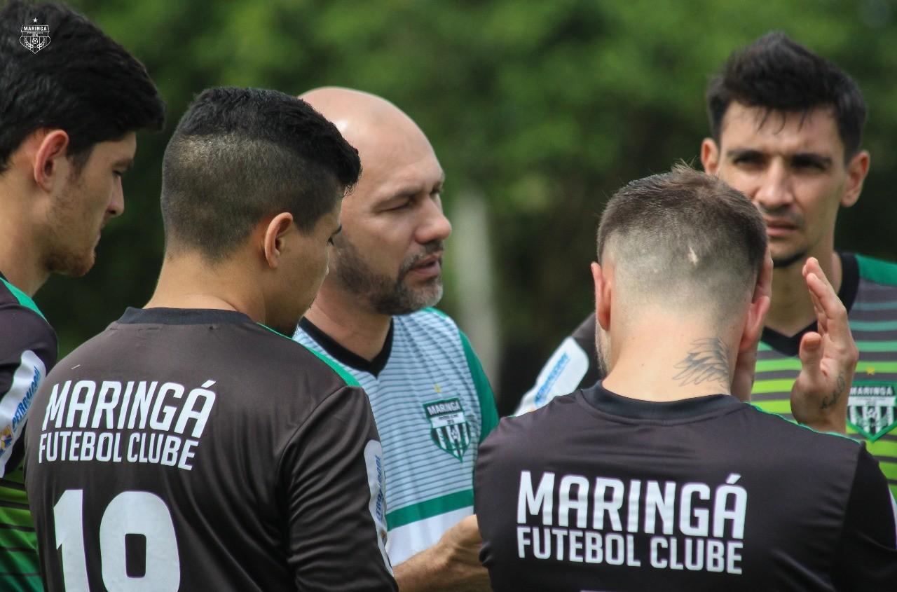 """""""MFC precisa definir jogadas"""", avalia treinador"""
