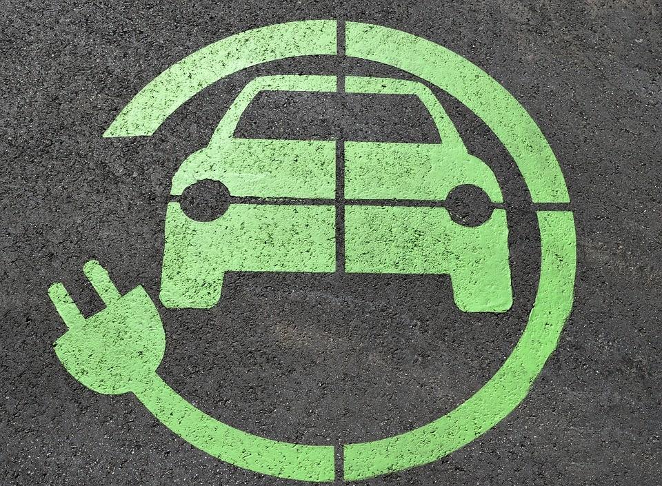 Projeto prevê uso de 25% de recicláveis na produção de veículos
