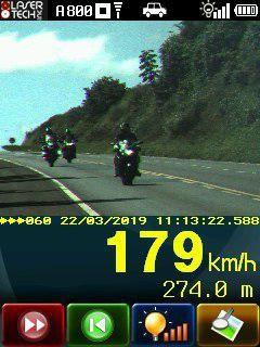 PRF flagra motociclistas a quase 180 km/h em Campo Mourão