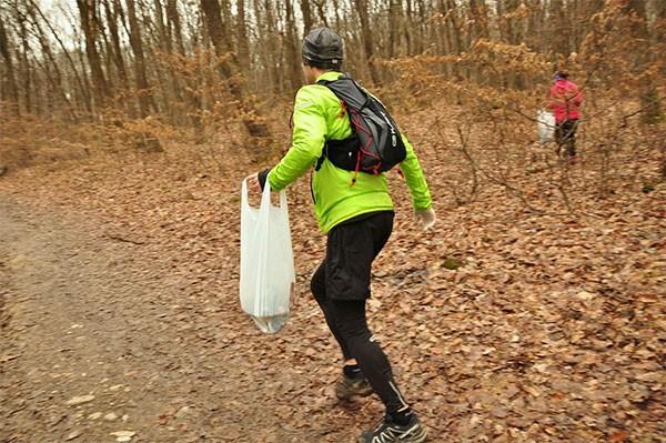 Plogging combina atividade física e sustentabilidade