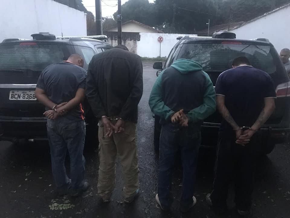 PM prende quadrilha suspeita de roubar carros em Maringá