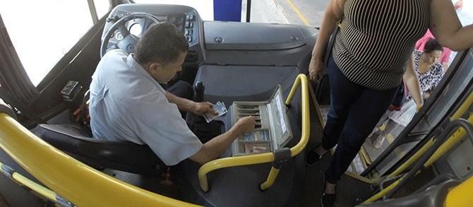Tarifa do transporte público é reduzida por falta de troco