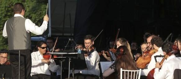 Orquestra da Unicesumar faz concerto no Parque do Ingá
