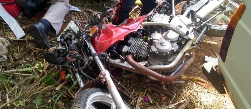 Motociclista morre e adolescente fica em estado grave após acidente