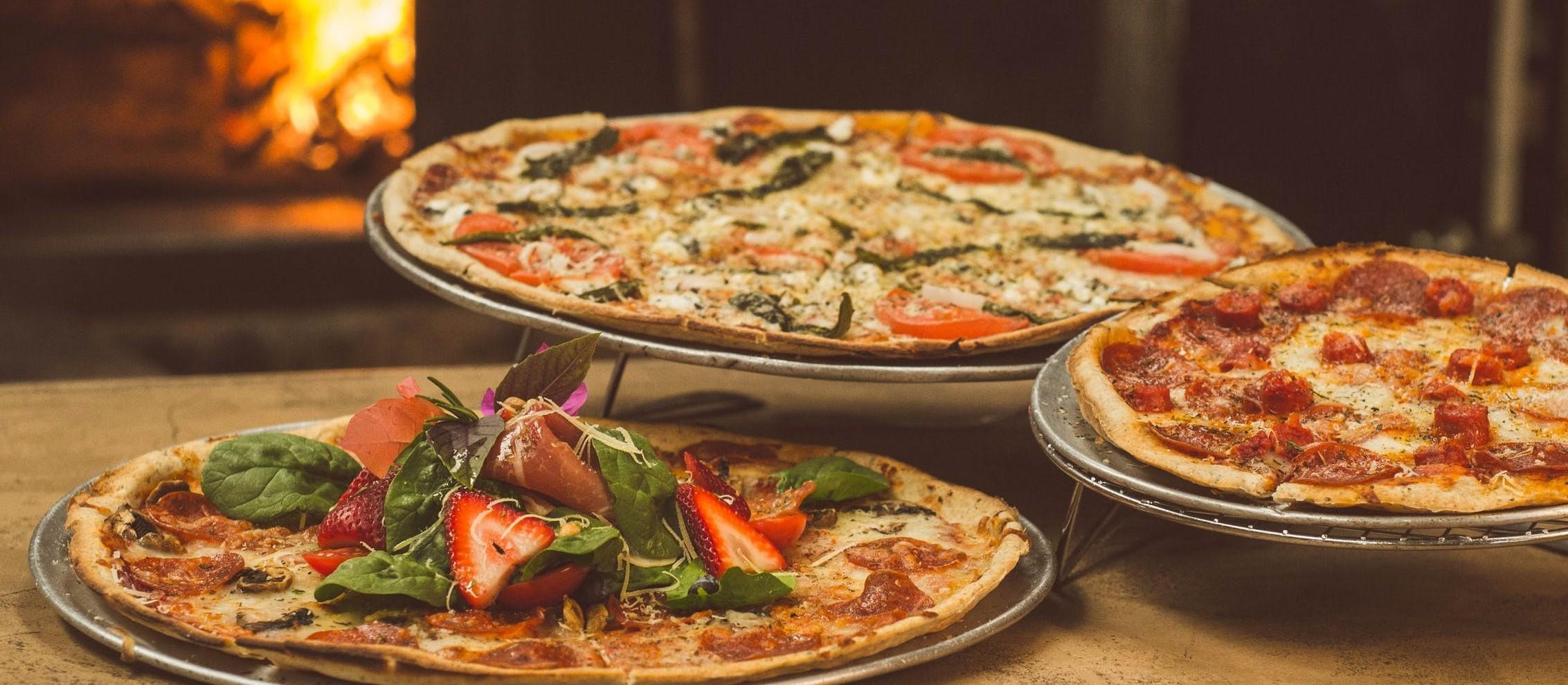Está em isolamento em casa? Então confira uma receita de pizza que você pode fazer