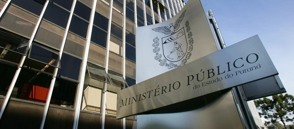 MP e PM cumprem mandados de prisão e busca e apreensão na Operação Clínica Geral