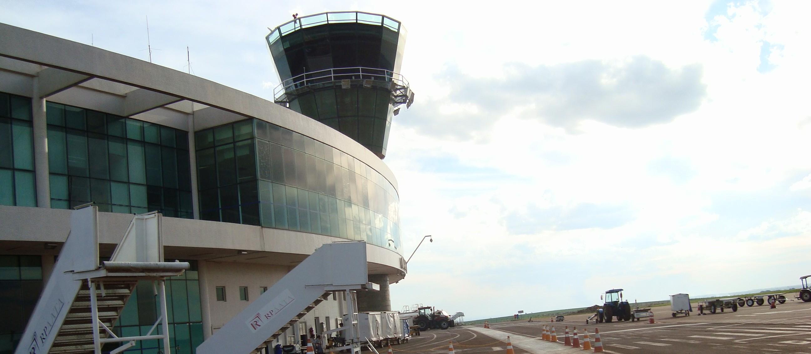 Superintendente explica aos vereadores mudanças no controle aéreo