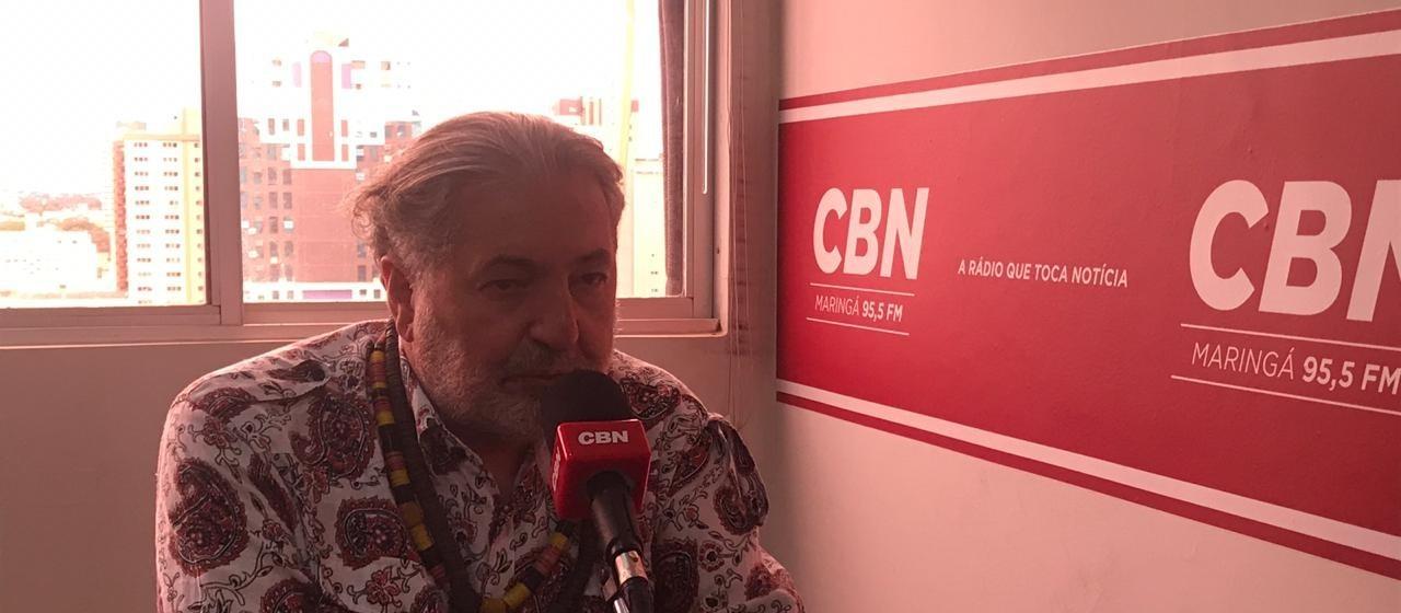 Moacyr Luz e Samba do Trabalhador se apresentam gratuitamente