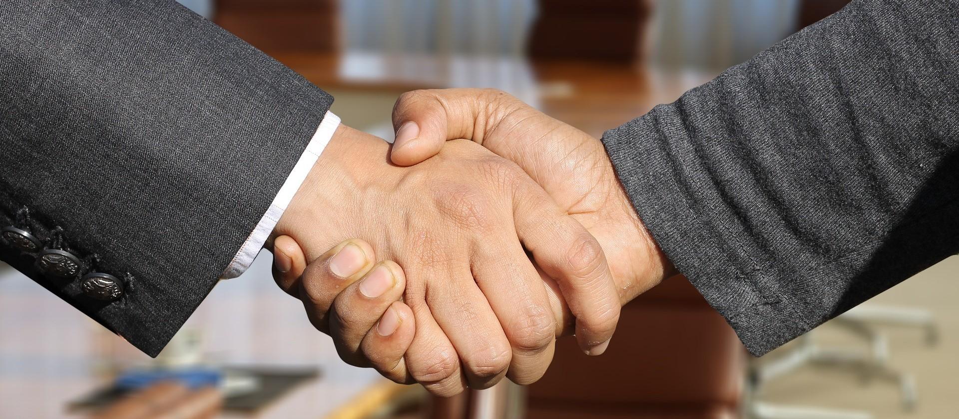 Os agentes que ligam prefeituras com microempreendedores
