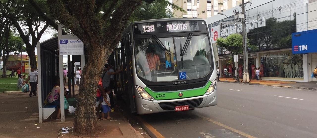 Vereador quer solução para linhas lotadas e diz que passagem em Maringá é cara