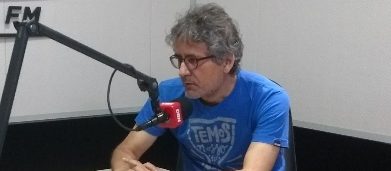 'Democracia precisa permanecer', diz especialista