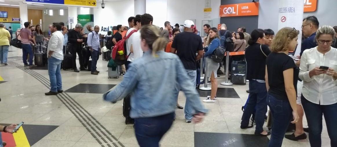 Cinco voos foram cancelados no aeroporto regional de Maringá neste domingo (6)