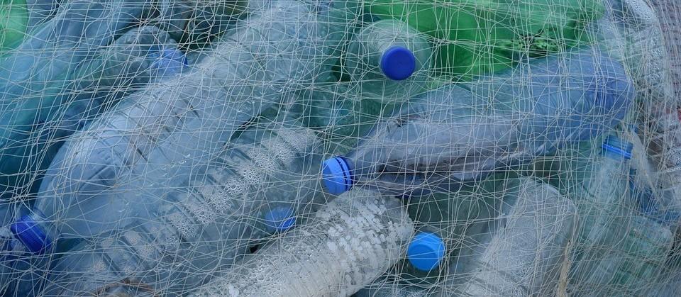 90% dos plásticos em oceanos vêm de apenas 10 rios