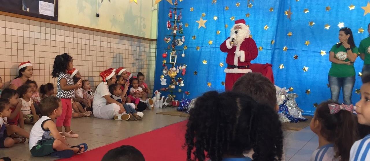Papai Noel entrega 6.500 brinquedos em Maringá e região